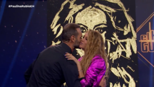 speed painter Paulina Rubio en El Hormiguero 3.0 Madrid Spain glitter painting raivard Show